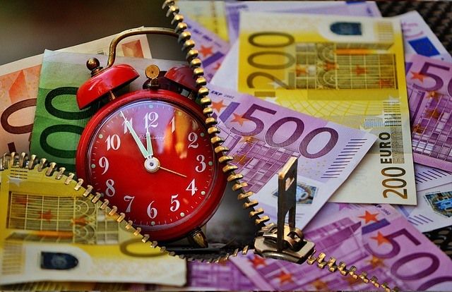 time-is-money-1553142_640
